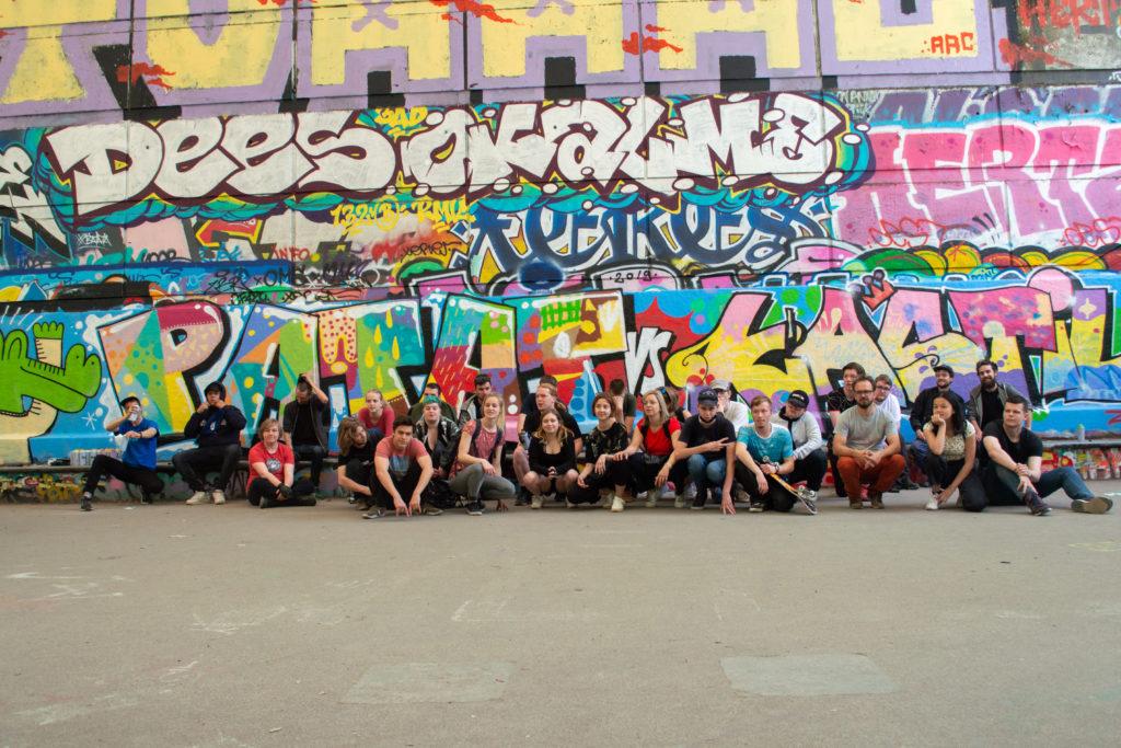 école projet artistique pédagogique classe peinture street art mur graffiti collège lycée